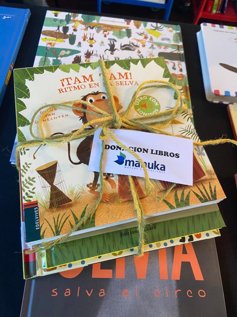 Donación Manuka Bibliomóvil Puerto Octay